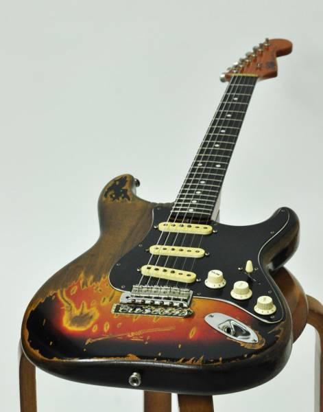 ギター買取/伝説の「KIDSギター」 &【Fender Elite 】